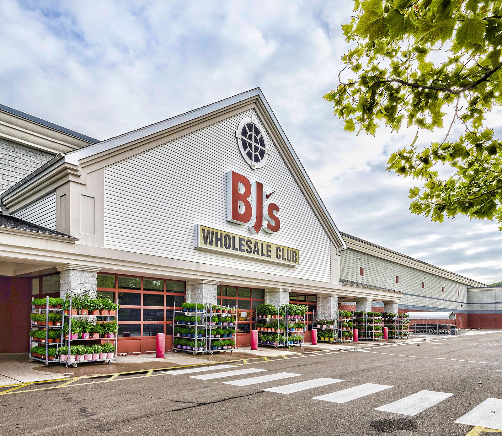 BJ Wholesale Wallingford CT 15